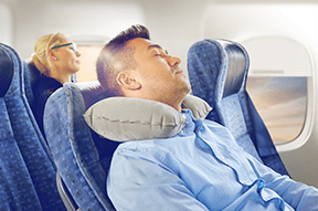 Five tips to sleep on a plane