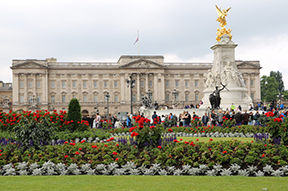 Royal palaces to visit across the world